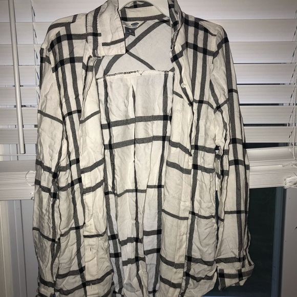 Old Navy Tops - Black and white flannel